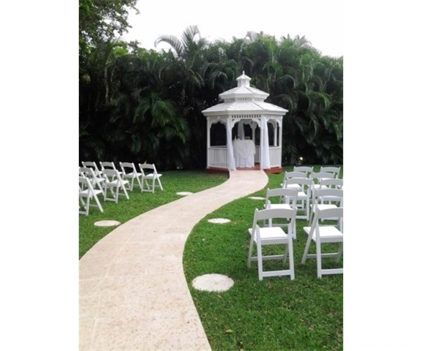 gazebo_wedding_officiant_homestead