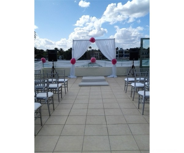 miami_beach_wedding_arch