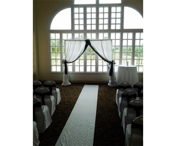 wedding_arch_in_white
