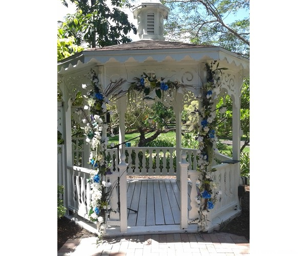 wedding_gazebo_at_flamingo_botanical